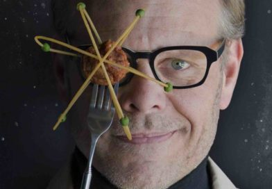 REVIEW: 'Alton Brown Live: Eat Your Science' brings food experiments to Broadway